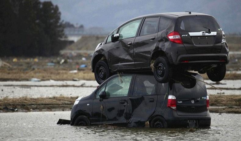 Тайлбарлахад хэцүү машины ослууд (25+ фото)