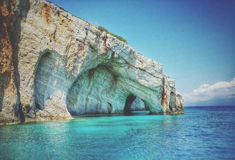 Закинтосын цэнхэр агуй, Грек