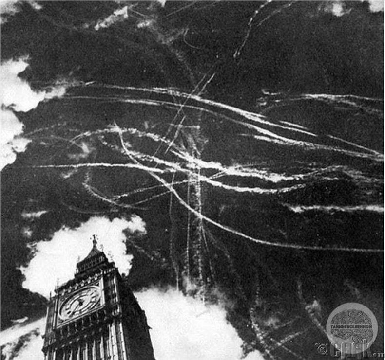 Лондон хотын дээр болж буй агаарын тулаан - 1940 он