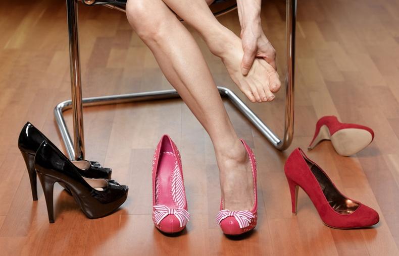 Өсгийтэй гутал өдөр бүр өмсвөл, таны биед ийм өөрчлөлт гарна!