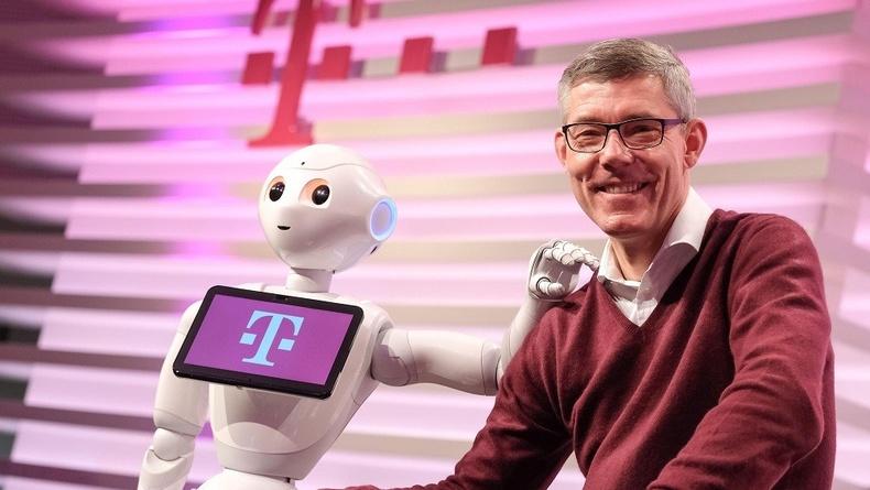 2037 онд робот бүх ажлын байрыг эзэлнэ