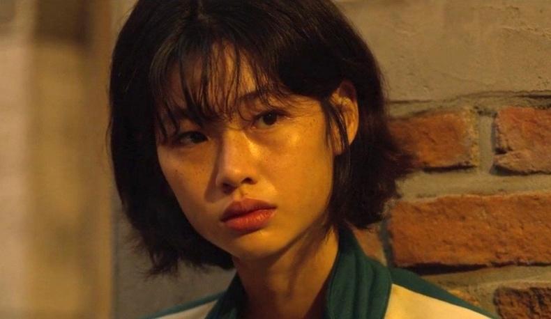 Дэлхийн кино ертөнцөд хүч түрэн гарч ирж буй Солонгос бүсгүй Жун Хо Ён-той танилц!