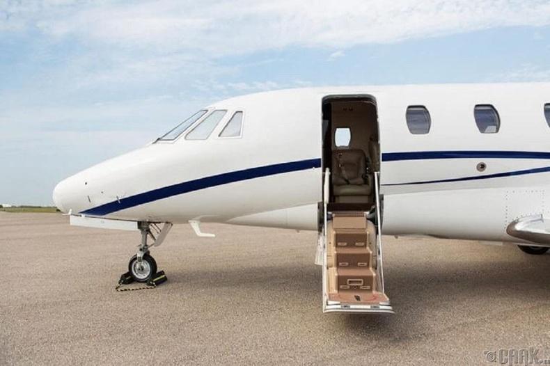 Зөвхөн баян хүмүүс л жижиг онгоцоор нисдэг