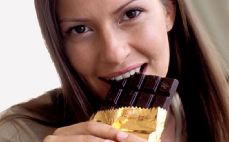 Шоколад идсэнээр бидний биед юу болдог вэ?