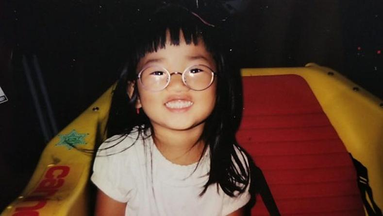 """Эцэг эхдээ """"хаягдсан"""" Хятад охины түүх"""