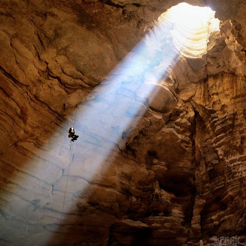 Аварга том агуй - Оман