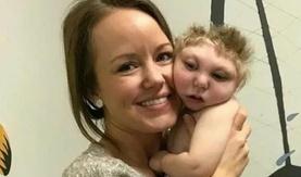 Тархигүй төрсөн хүү өдгөө хэрхэн амьдарч байна вэ?