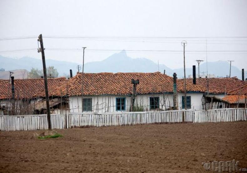Чиллсон уулсын ойролцоо тосгон -2010 он.