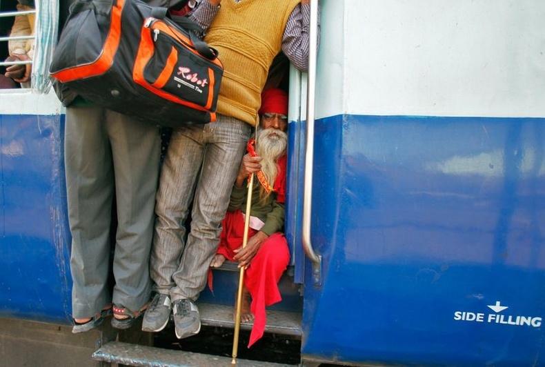 Гувахати — Тривандрам чиглэлийн галт тэрэг товлосон цагаасаа 12 цаг хүртэл хоцрох тохиолдол байдаг аж.