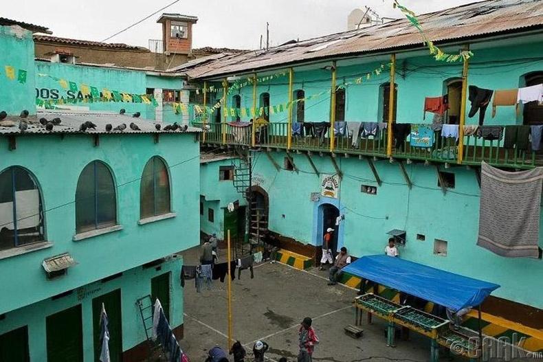 "Боливи улсын ""Сан Педро"" шорон"