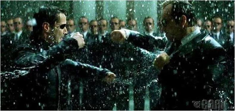 'Matrix Revolution' – Нео машинд Смитийг авах боломж олгоогүй