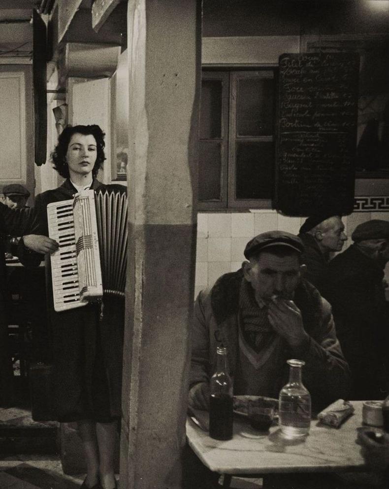 Бистро дахь амьд хөгжим, Парис, 1950 он.