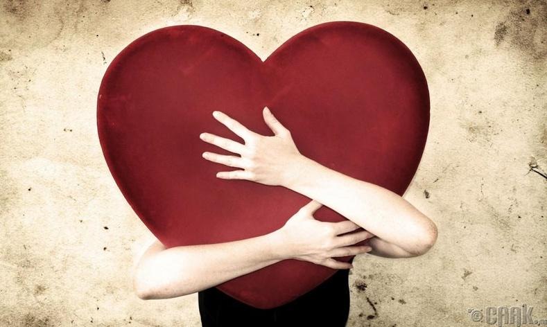 Хайрлаж дурлах нь өвчин юм