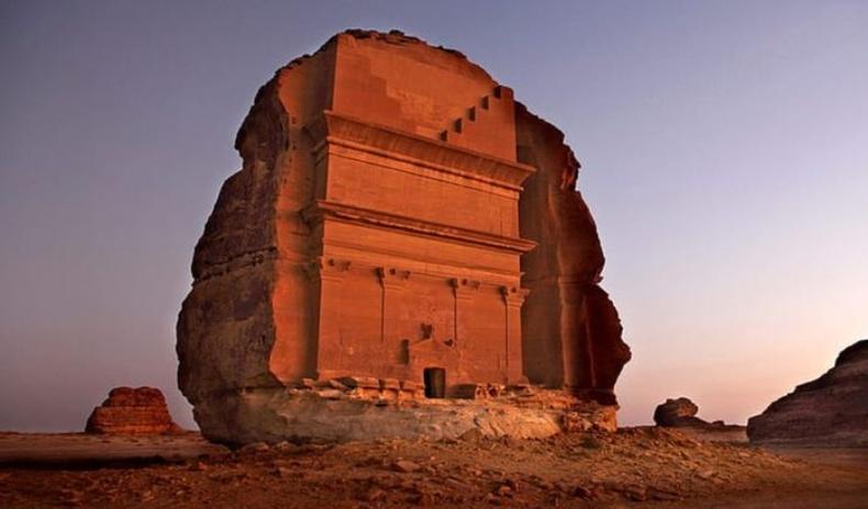 Элсэн цөлийн дундаас олдсон археологийн нууцлаг 15 олдвор
