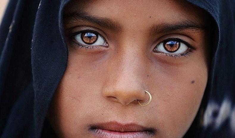 Энэтхэгийн ядуусын хороолол дахь гоо үзэсгэлэн (24 фото)