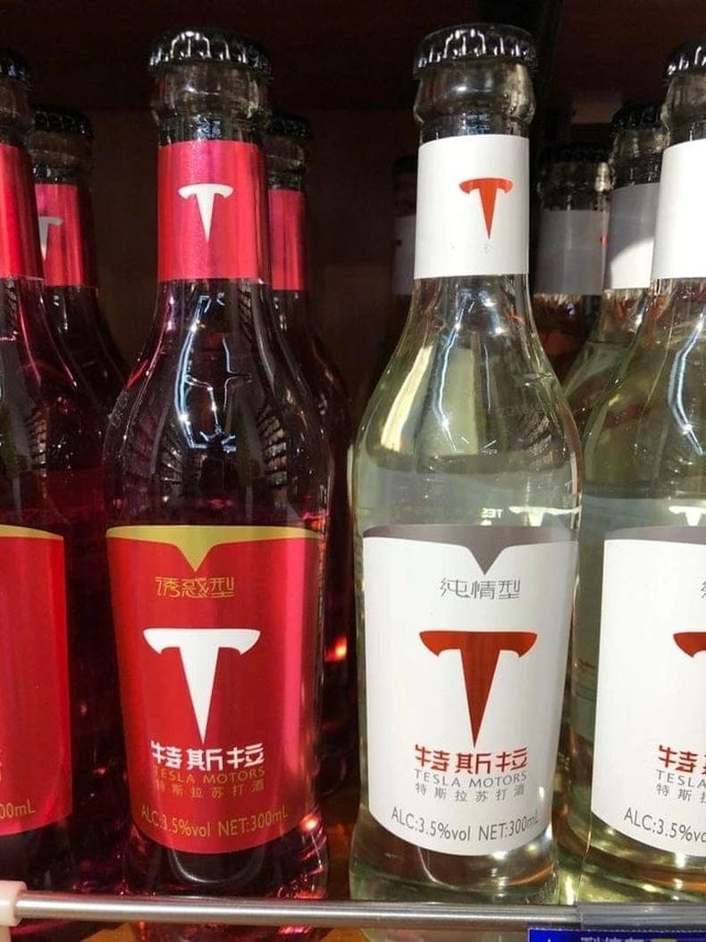 Тесла Моторс Хятадын зах зээлд архи худалдаалж эхэлжээ