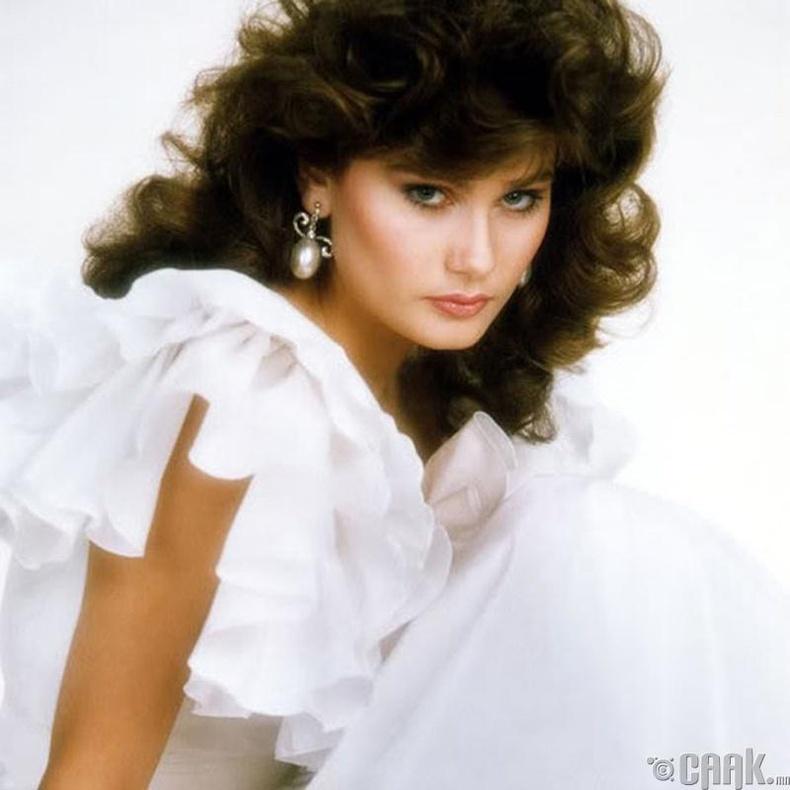 """""""Miss Universe-1982""""-ын ялагч: Канадын гоо бүсгүй Карен Диана Болдуин, 18 настай, 178 см өндөр."""