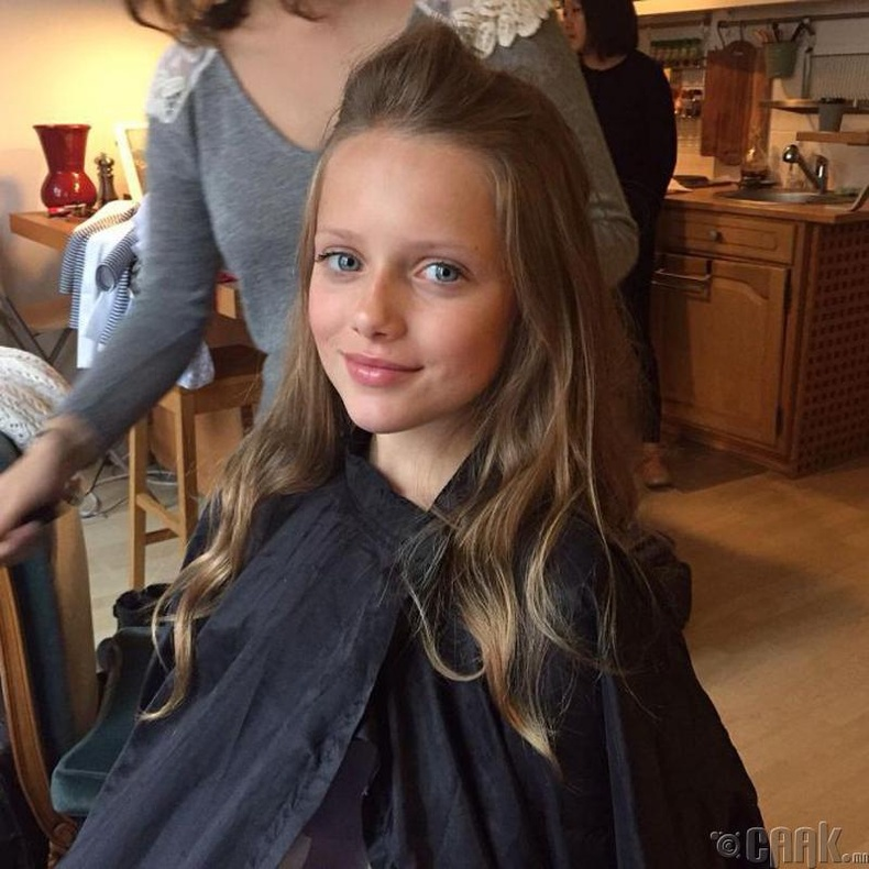 Элизабет Хайли – Кристина Пименовагийн олдмол ихэр (11 нас)