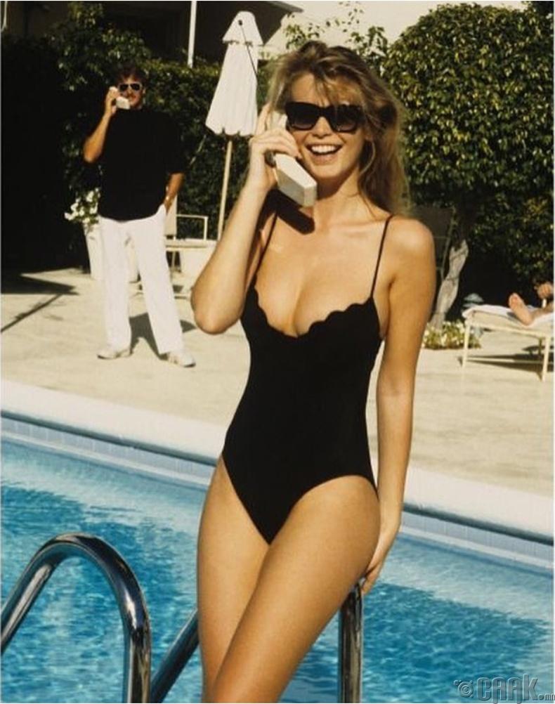Загвар өмсөгч Клаудиа Шиффер (Claudia Schiffer), 1989 он
