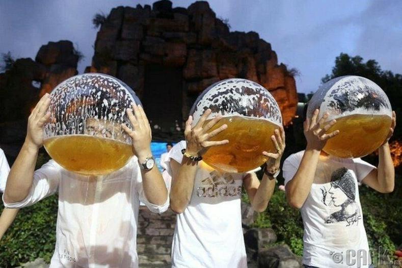 Хятадад болдог шар айраг уух тэмцээн