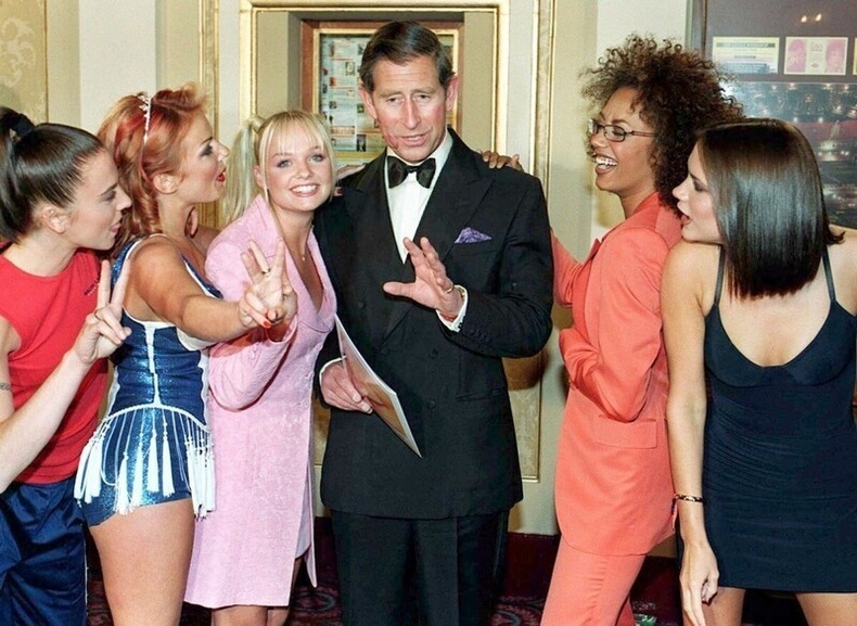 """Хунтайж Чарльз """"Spice Girls"""" хамтлагийнхантай хамт, 1997"""