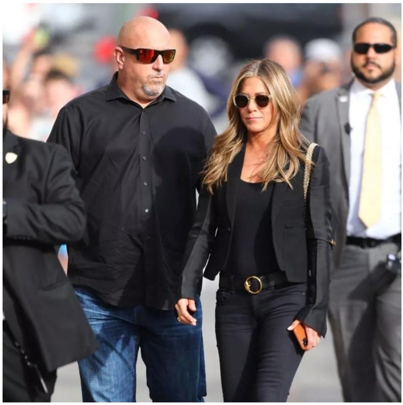 Женнифер Анистон (Jennifer Aniston) - жилд 240 мянган ам.доллар