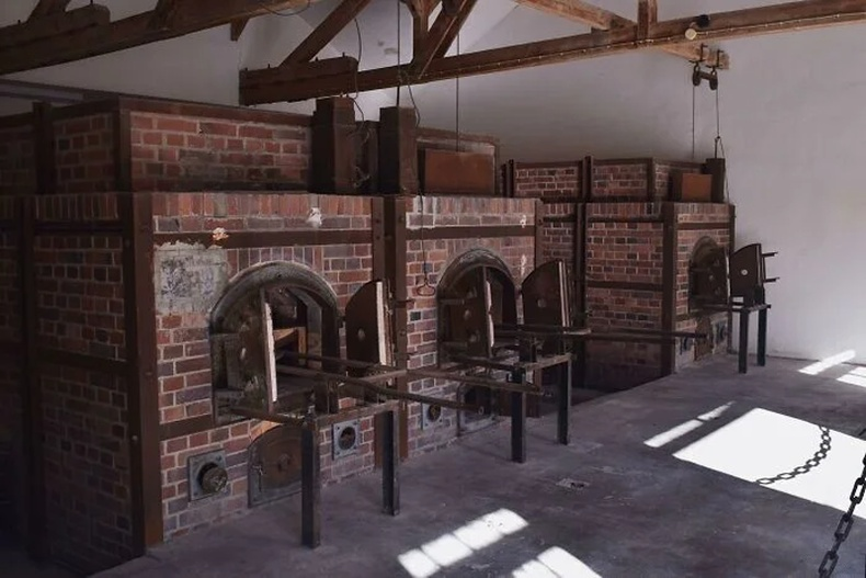Нацистын Дахау хорих лагерийн зуух