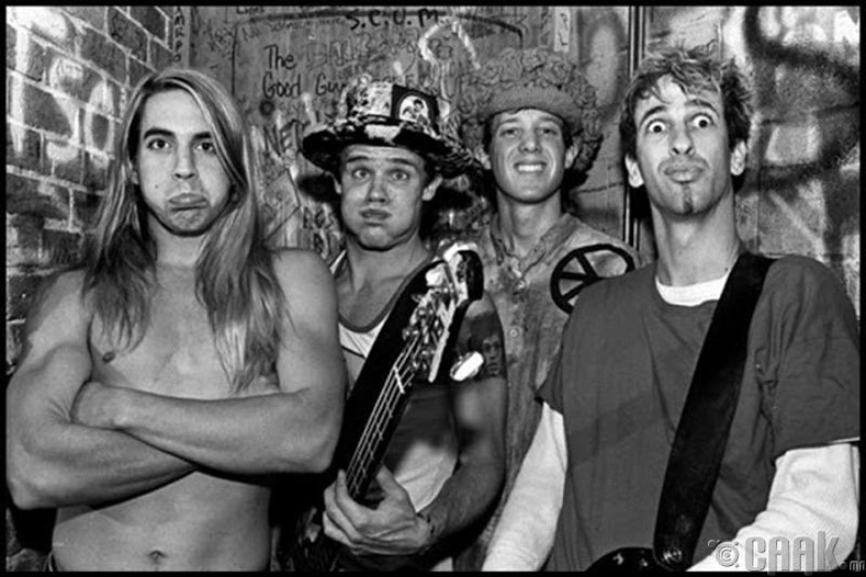 Red Hot Chilli Peppers, 1984