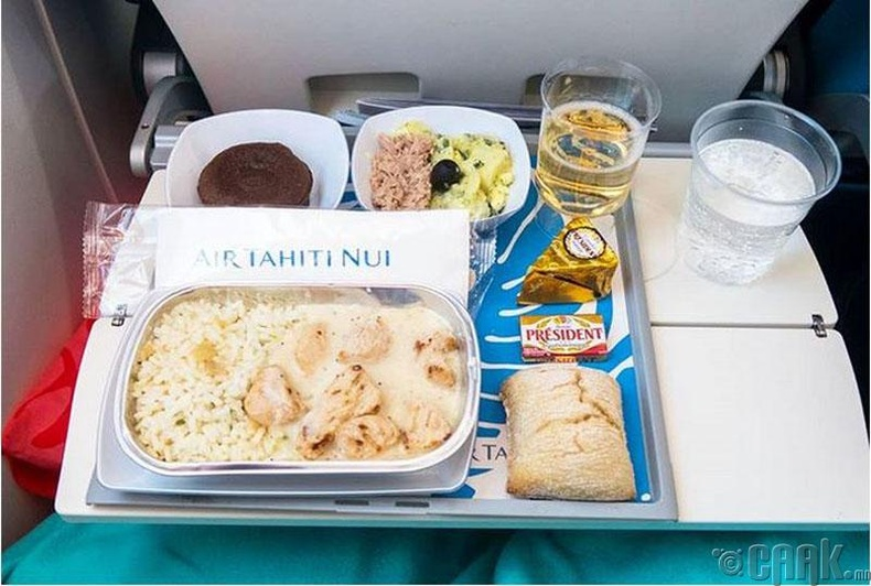 """""""Air Tahiti Nui"""" - Тахиа, ванилын соустай будаа, салат"""