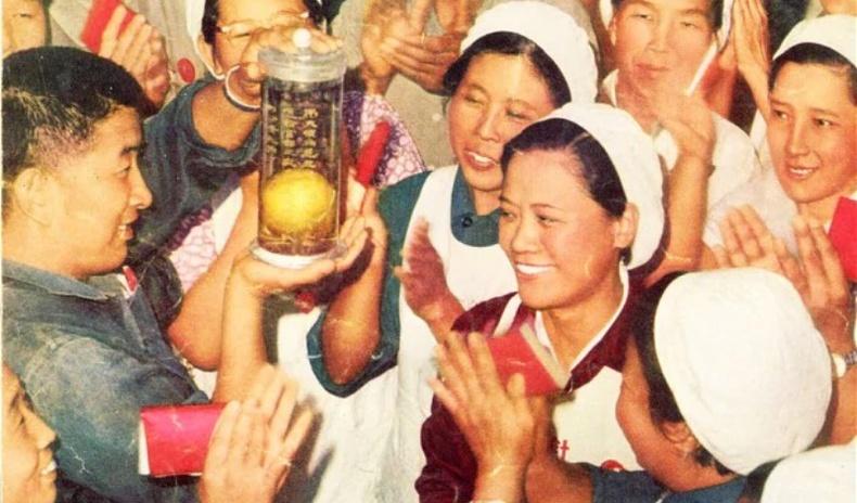 Хятадууд манго жимсийг орон даяараа шүтээн болгон залсан түүх