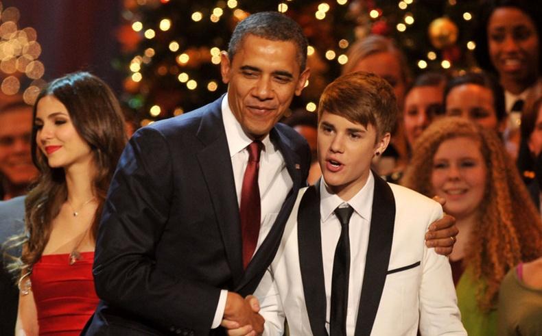 Барак Обама, Жастин Биберийн дууг дуулжээ