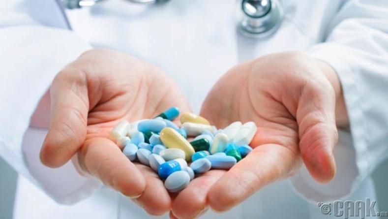 Антибиотик, хэрэгтэй бактерийг устгаж байна