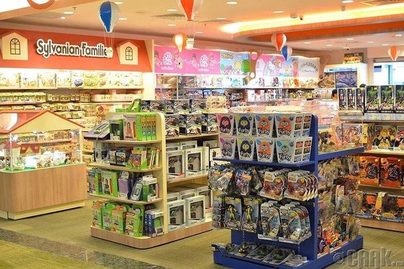 Жирэмсний амралтаар нь ээжүүдийг ажилд авдаг хүүхдийн дэлгүүрт ажиллах