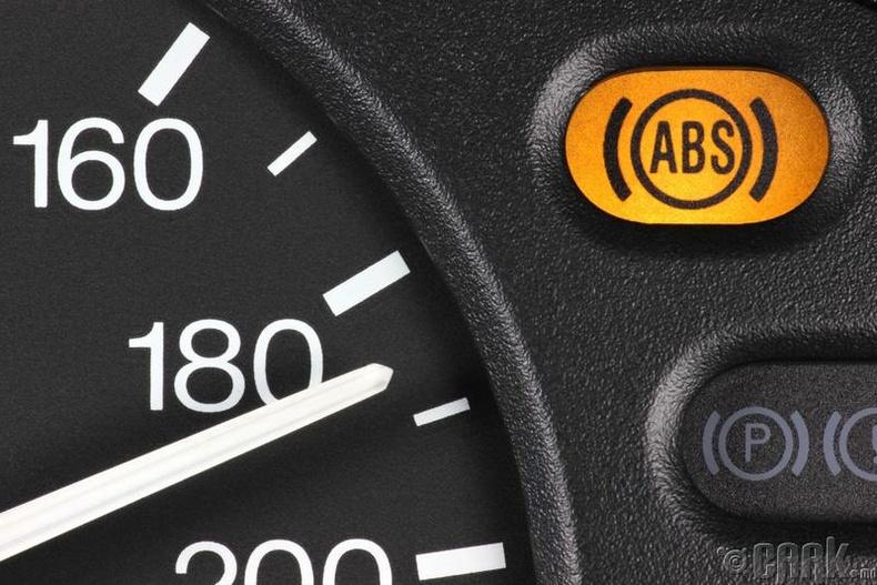 """Төөрөгдөл 1: Өвлийн цагт """"ABS"""" жолоодлогод муугаар нөлөөлдөг"""