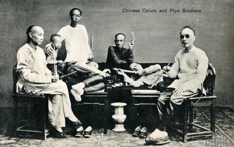 Бүлэг мансуурагчдын зураг бүхий открытка, 1910