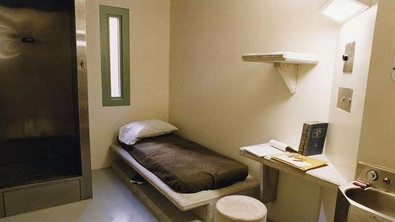 Америк дахь хамгийн чанга дэглэмтэй Supermax хорихын нэг камер, Колорадо