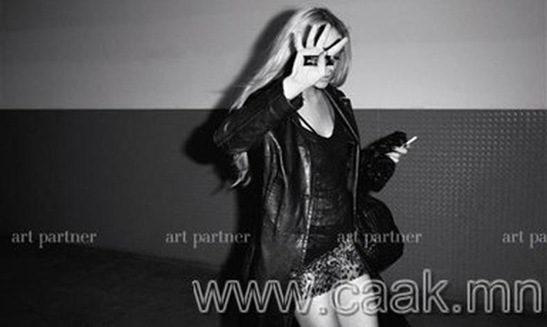Линдси Лоханы хамгийн сvvлийн vеийн зургууд