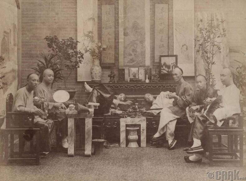 Мансуурагчид, 1880-аад он
