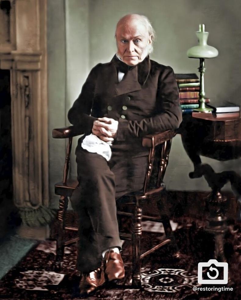 Гэрэл зураг авхуулсан анхны ерөнхийлөгч бол Жон Куинси Адамс