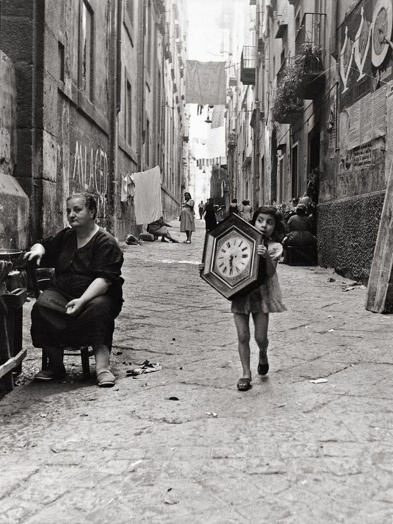 Хуучин цаг, Неаполь, Итали, 1945 он.