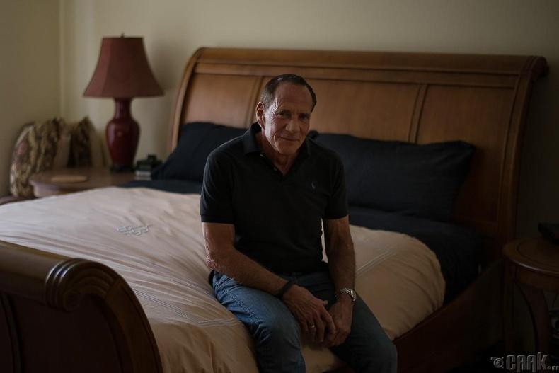 Боб, 72 настай, хуульч