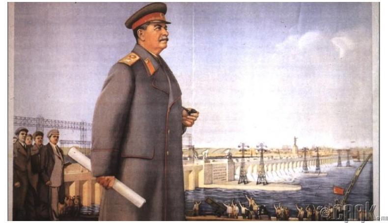 Бид бодохдоо: Сталин унтаж байхдаа тайвнаар амьсгал хураасан