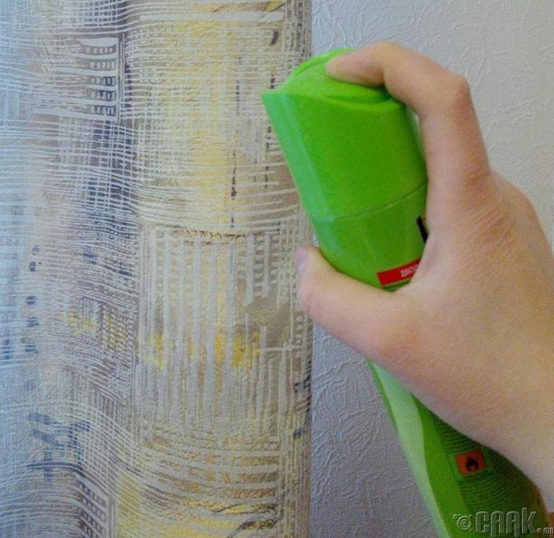 Хөшгийг үсний лакаар шүршиж шороо тоосноос хамгаалж болно