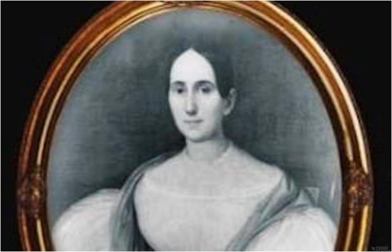 Дэлфинэ Лалаури (Delphine LaLaurie)