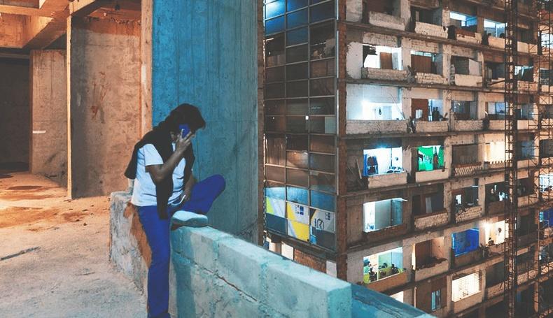 """Венесуэль дэх """"босоо"""" ядуусын хорооллын амьдрал"""