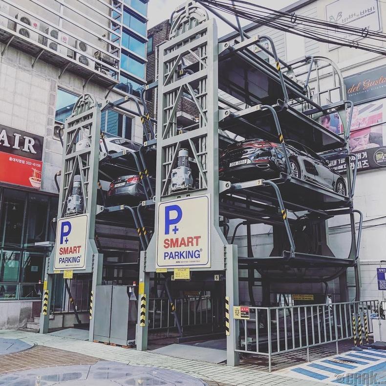 Зай хэмнэх зорилгоор хийгдсэн машины зогсоол (Өмнөд Солонгос)
