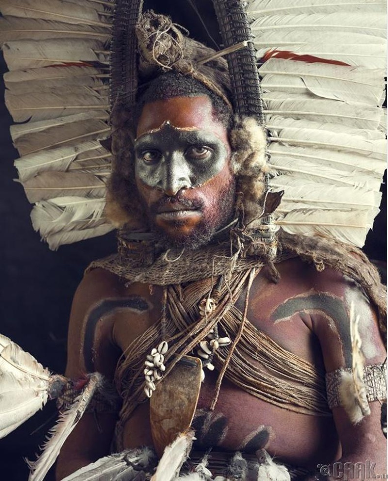 Папуа Шинэ Гвинэйн Калули овгийн анчин