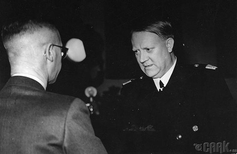 Видкун Квислинг - Нацистуудтай сүлбэлдсэн нь