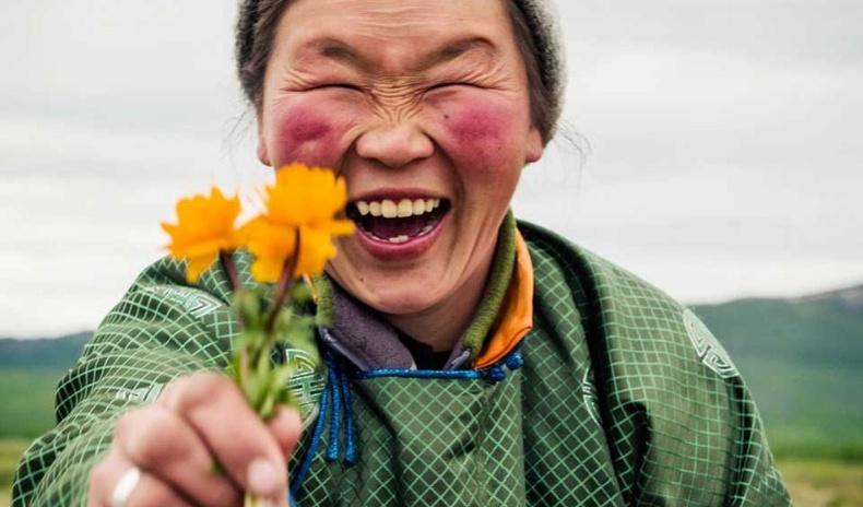 """""""Өнгөлөг Монгол"""" - Гэрэл зурагчин Пол Коксын шилдэг бүтээлийн цомгоос"""