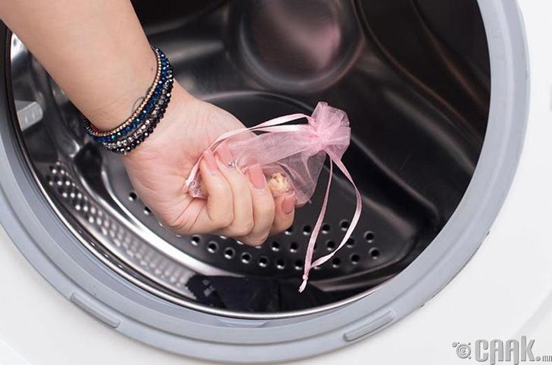 Угаасан хувцас цахилгаанждаггүй